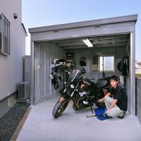 バイクが趣味のご主人専用のバイクガレージ。