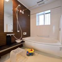 1.25坪の広々したお風呂。子供たちと入っても広々使えておススメです。